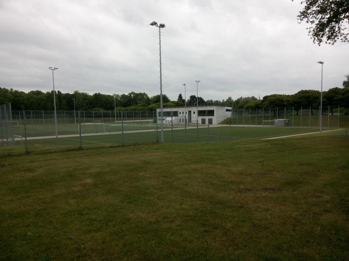 Inselbad: Sportplatz